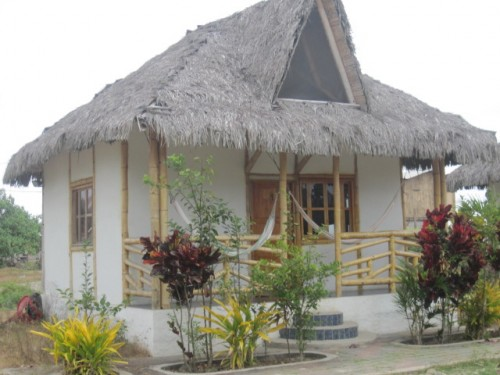ecuador-beach-hut