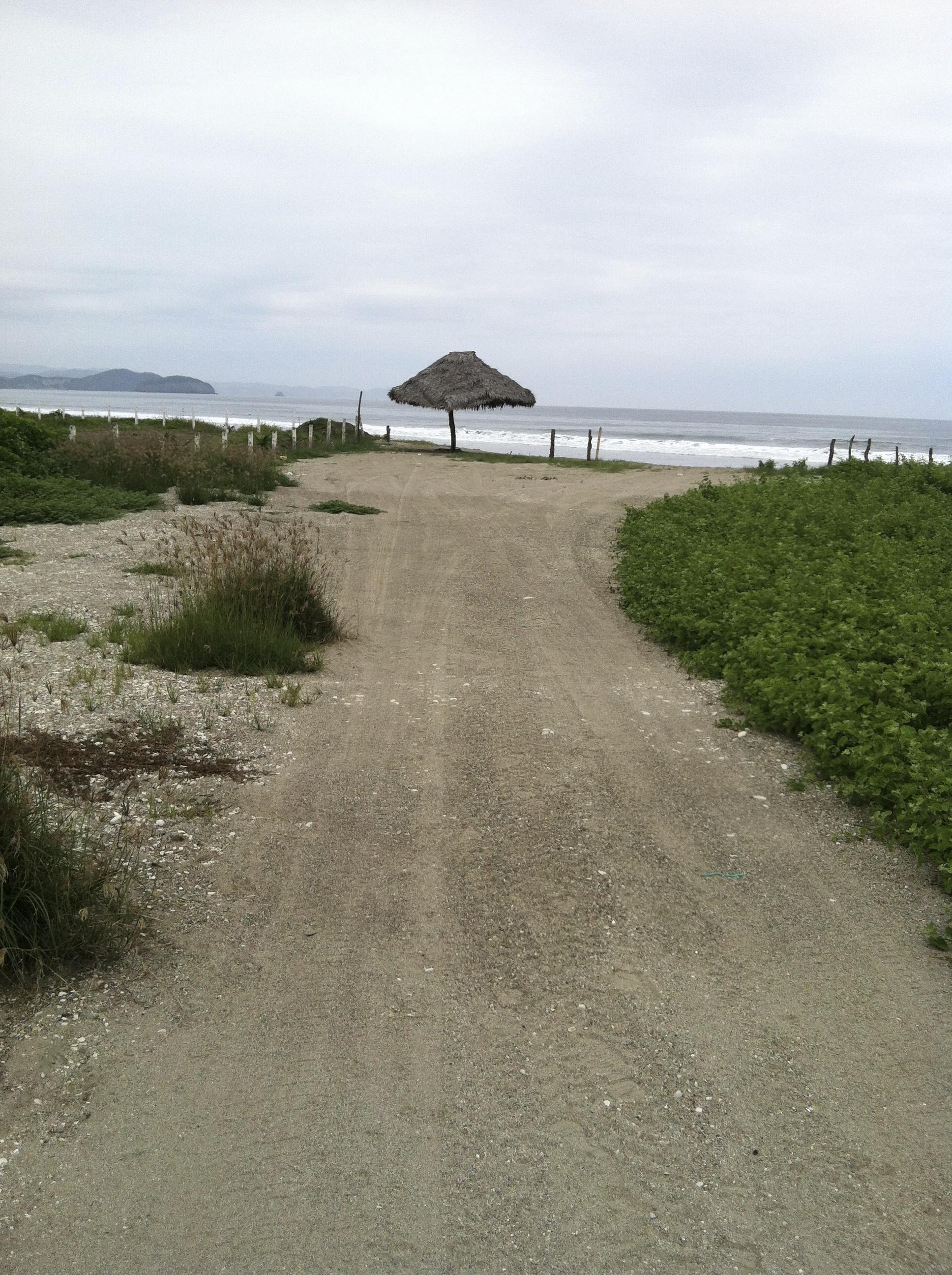 puerto-cayo-beach