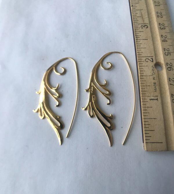 18kt fierce scroll earrings