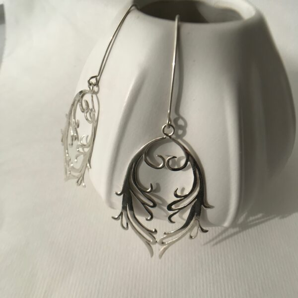 Double Fierce Feminine Hand-cut Scroll Earrings