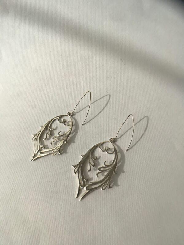 Double Fierce Feminine Hand-cut Scroll Earrings