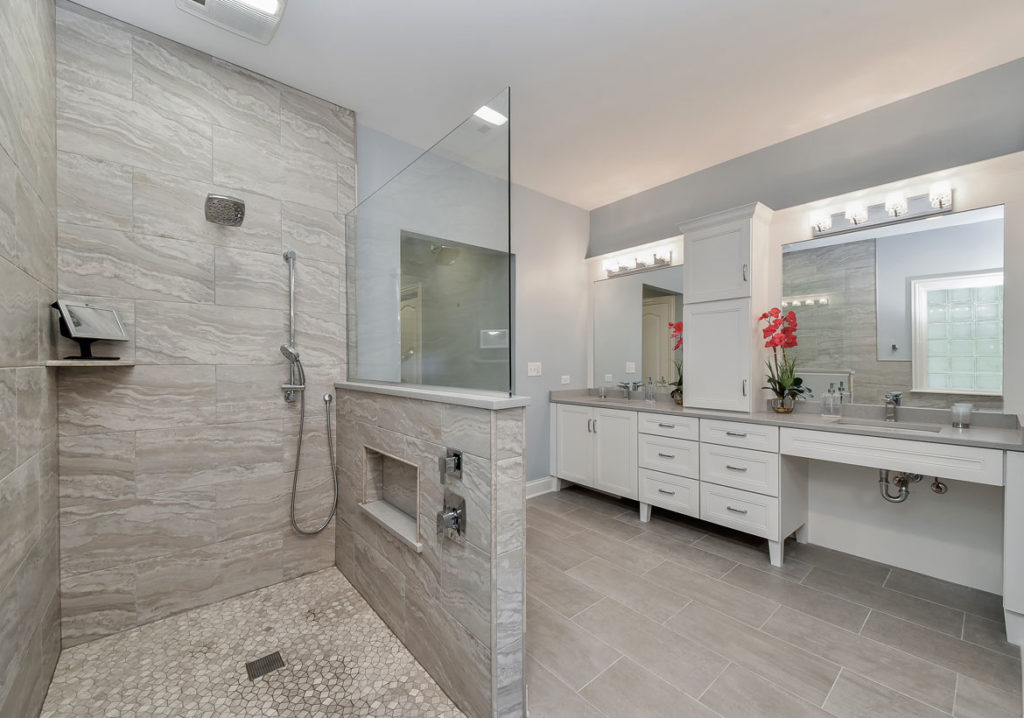 Exciting-Walk-in-Shower-Ideas-for-Your-Next-Bathroom-Remodel-40_Sebring-Services