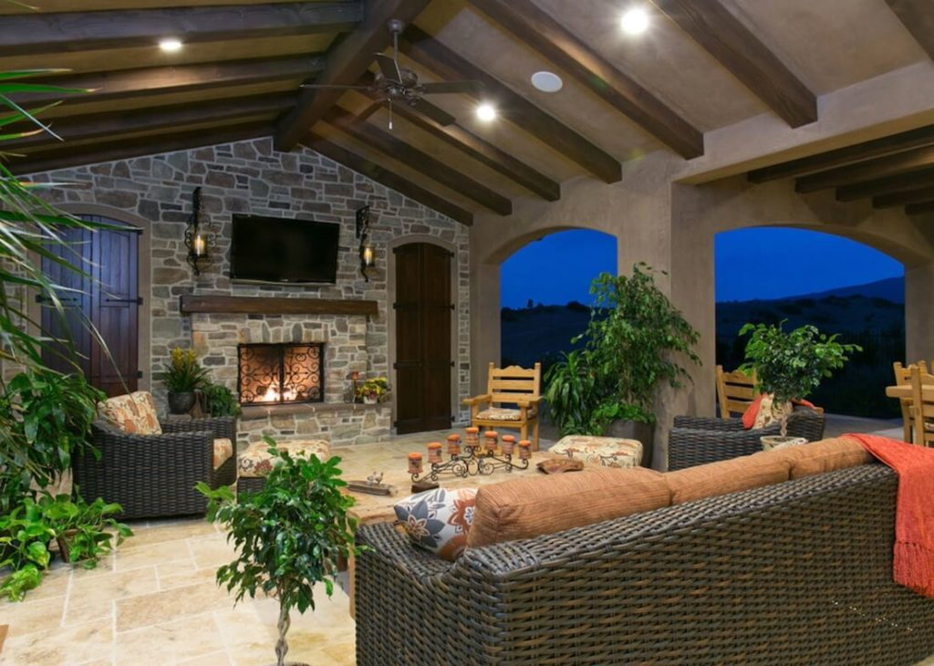 Outdoor-Living-Spaces-TV