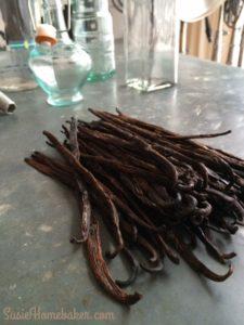 DIY Homemade Vanilla