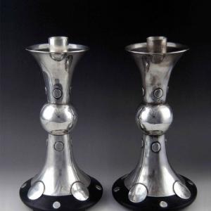 Candelabros trompeta