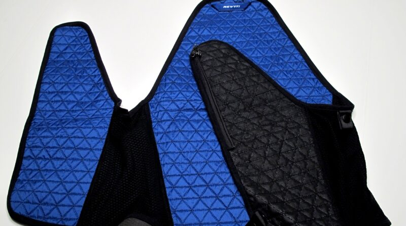 Techniche Hyperkewl cooling vest