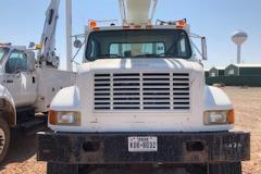 Bucket-truck-22658-front