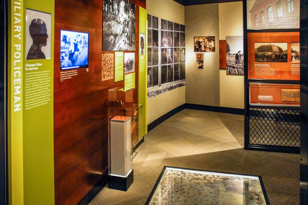 Display Dynamics - Holocaust Museum