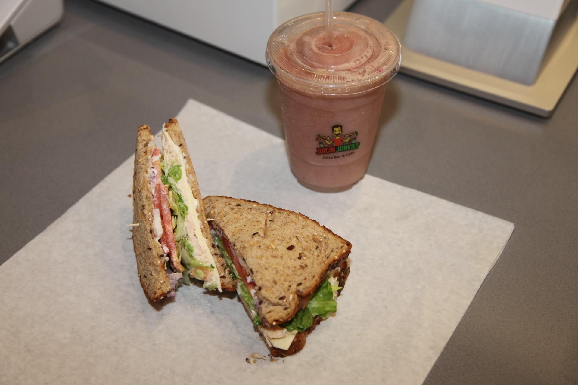 Tuna Sandwich (1)