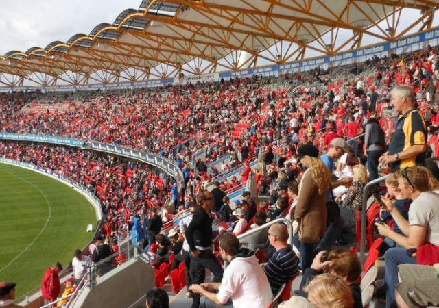 con_1530759168_Adelaide_v_Gold_Coast_-_Carrara_crowd (1)