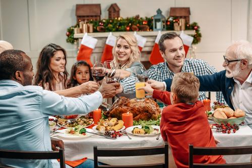 xmas family meal by Lightfield Studios shutterstock_740669773 (1)