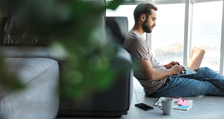 How much does a freelancer make in your field? Find out by doing a little research on the skill or service you want to offer and the businesses that hire freelancers like you.