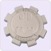 Gear-shaped light gray magnet decor