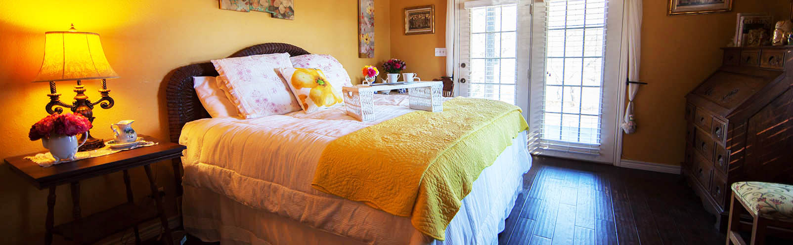 Quaint rooms designed for <strong>Comfort</strong>