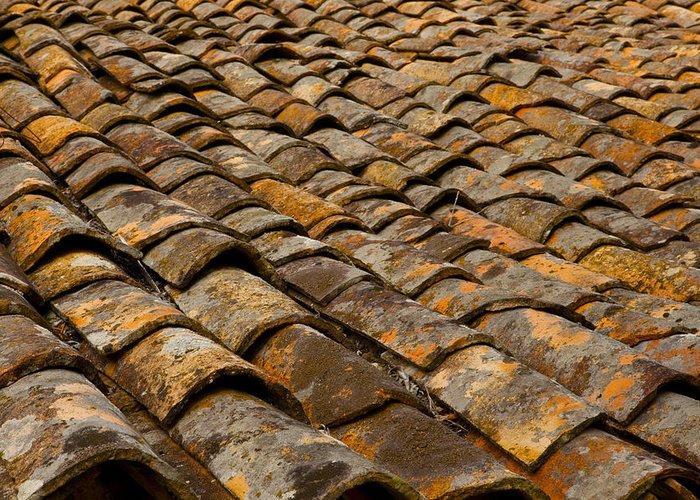 FAQ:  How long does a tile roof last?