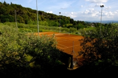 Lighted clay tennis court