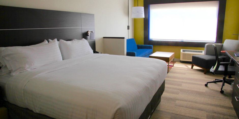 Holiday Inn Express and Suites Oswego Double Room