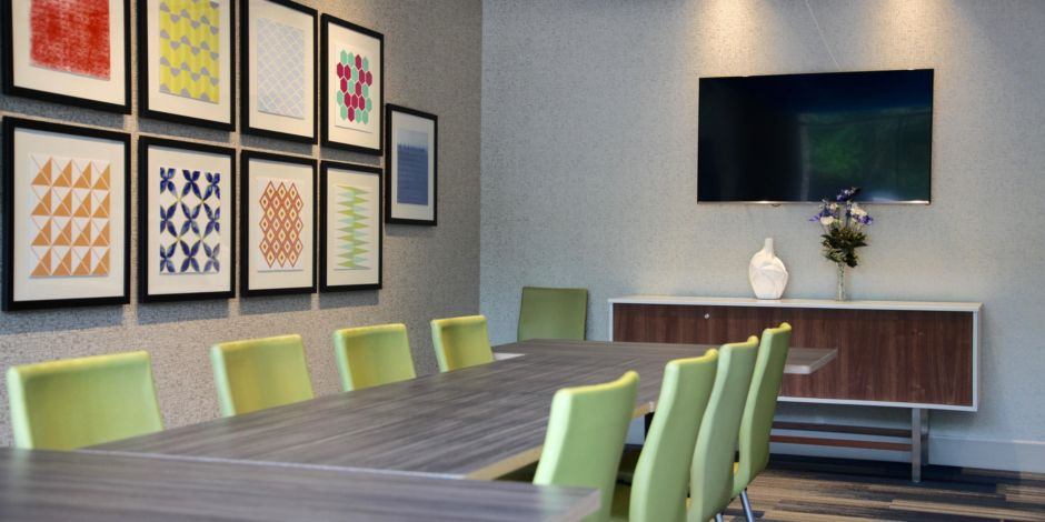 Holiday Inn Express and Suites Oswego Event Spaces