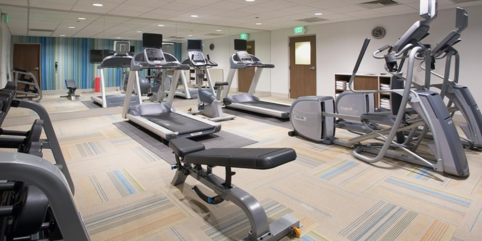 holiday-inn-express-and-suites-queensbury-4823337683-2×1