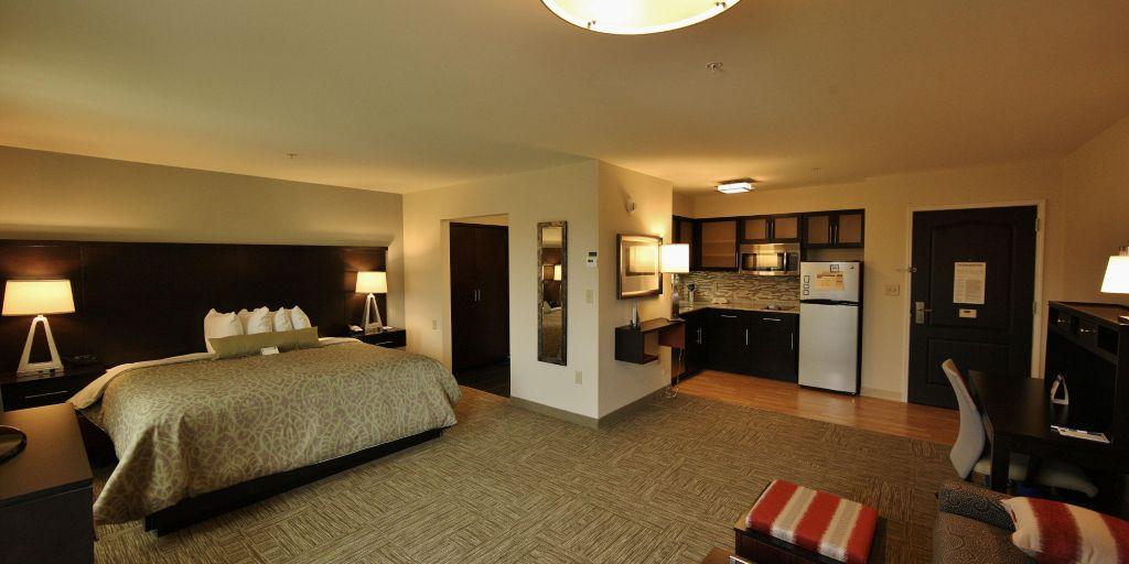 staybridge-suites-liverpool-3503883398-2×1