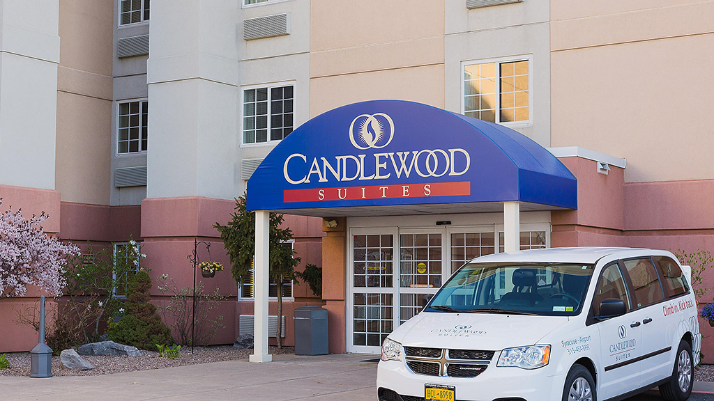 candlewood-suites-north-syracuse-entrance