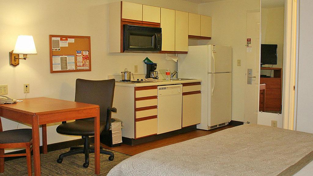 candlewood-suites-north-syracuse-kitchenette-2