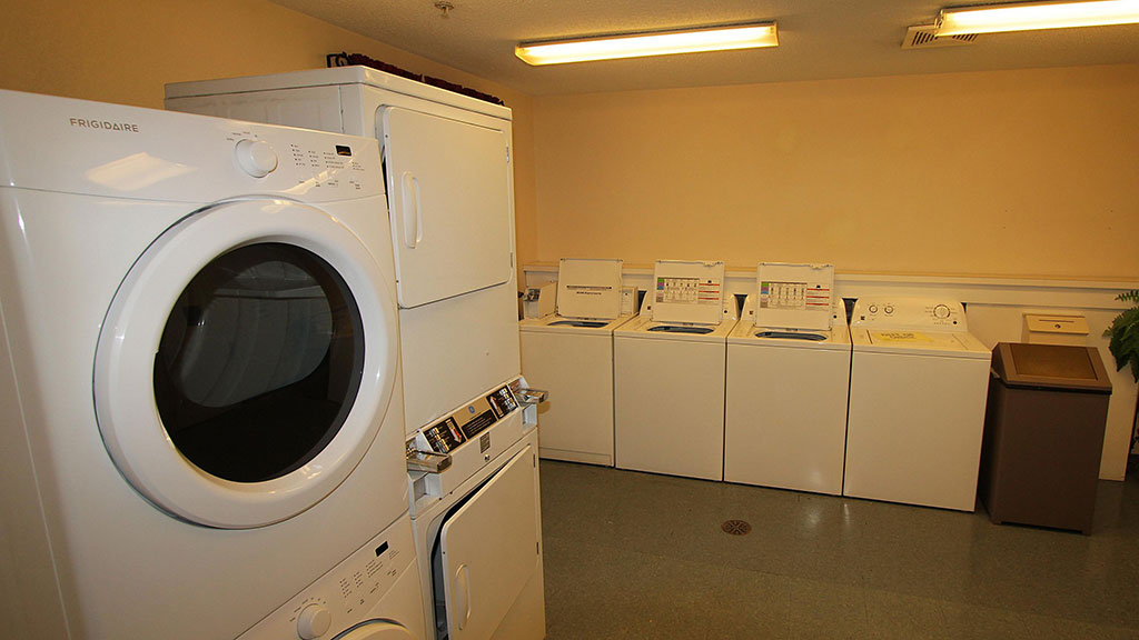 candlewood-suites-north-syracuse-laundry