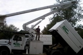 tree service bucket truck