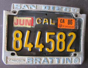 BRATTIN SAN DIEGO VINTAGE CALIFORNIA TRIUMPH BMW MOTORCYCLE BLACK LICENSE PLATE & FRAME 1962-1970 - MEMORABILIA