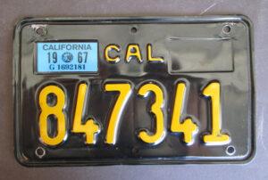 VINTAGE CALIFORNIA MOTORCYCLE BLACK LICENSE PLATE 1962-70  HARLEY TRIUMPH NORTON 1977 - MEMORABILIA