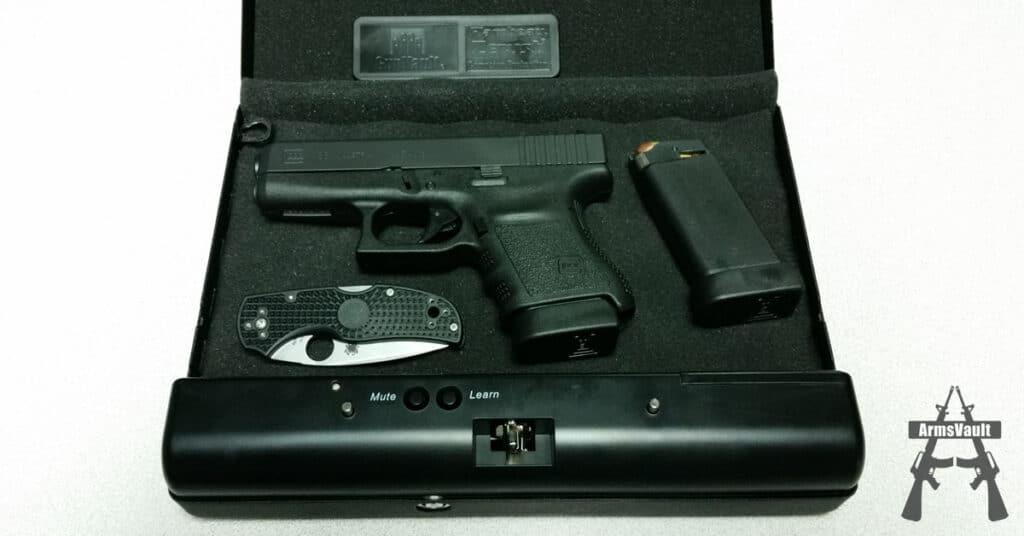 GunVault MicroVault MV500 Gun Safe with Glock 36 and Spyderco Native 5