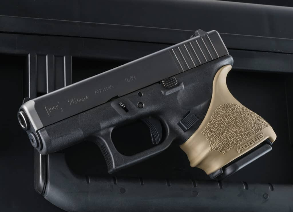 Hogue HandALL Beavertail Grip Sleeve_Glock 26