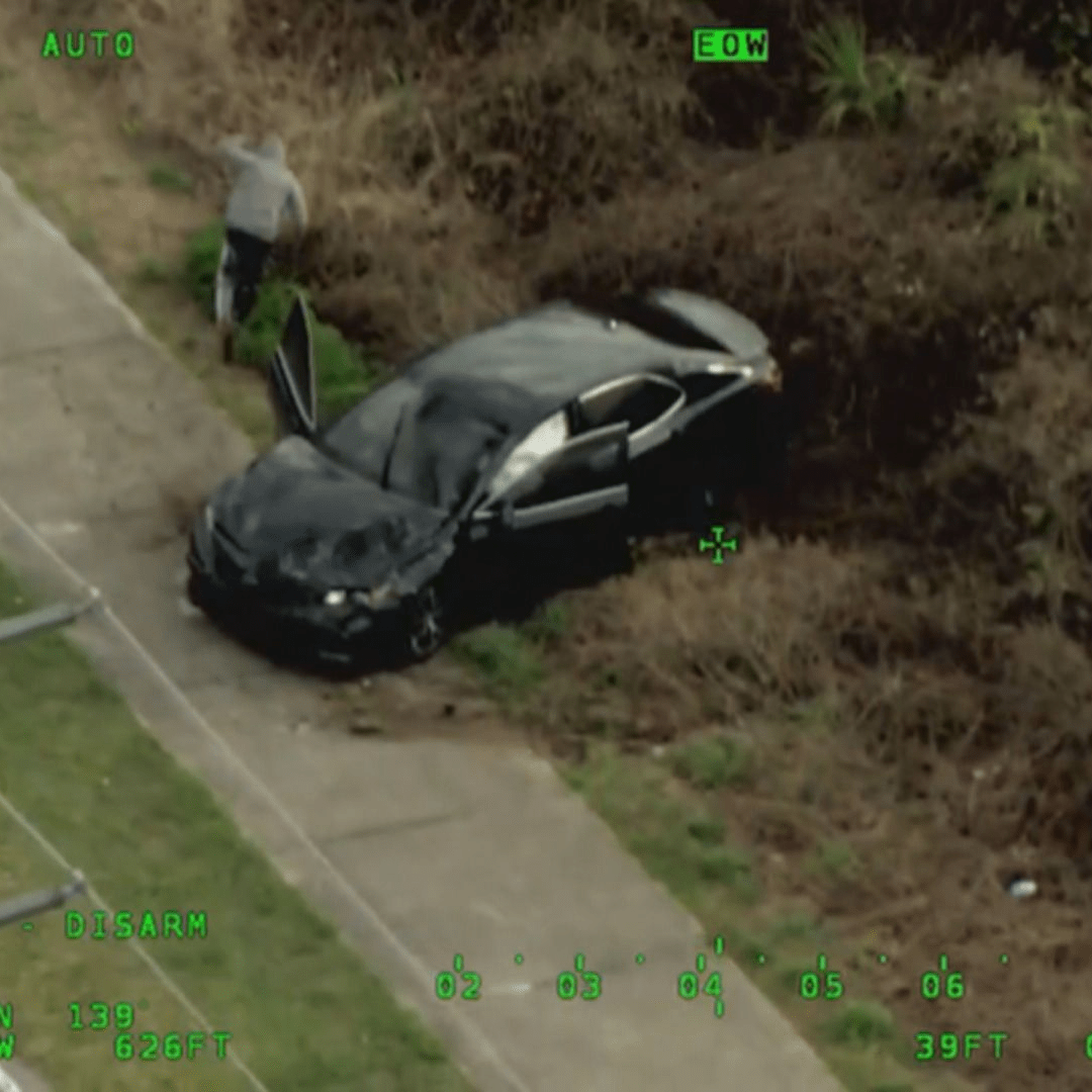 Suspects open fire on deputies before car rolls over during Central Florida police chase