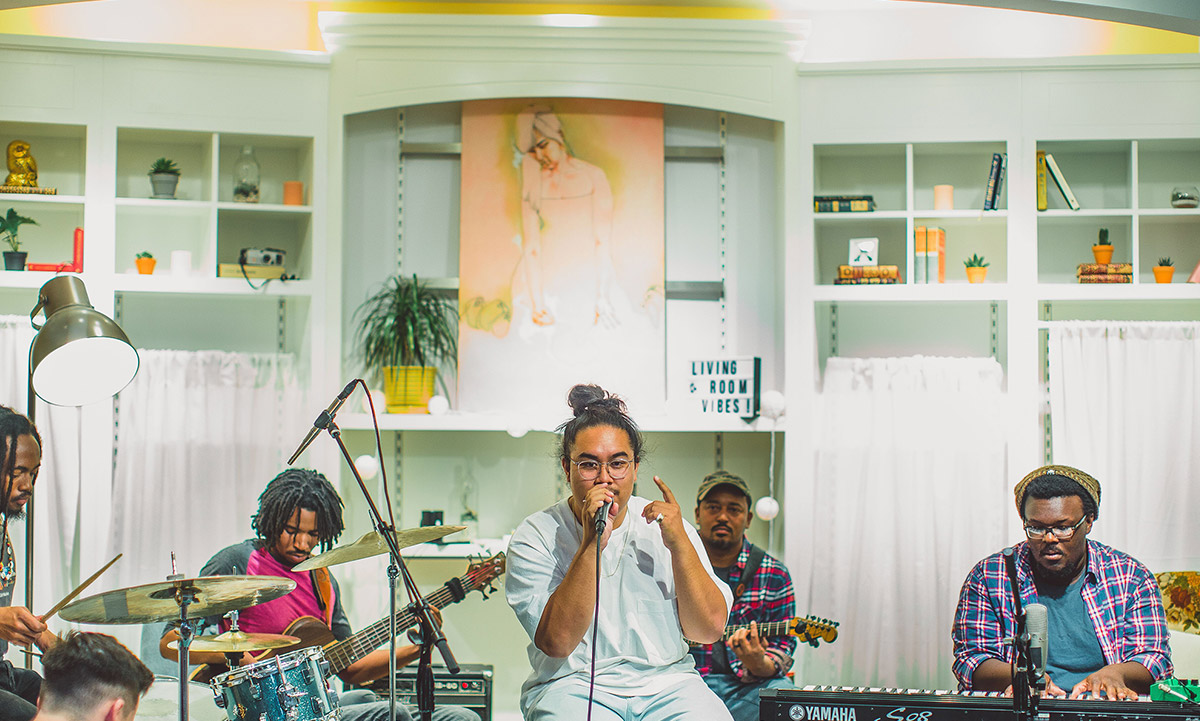 Pop-up Concerts with Living Room Vibes