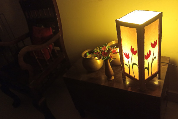 DIY Lamp with cardboard and paper – Child friendly project