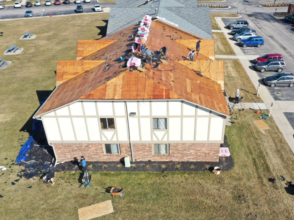 Apartment_roof_tear-off_Statewide_Construction_roofing