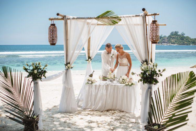 seybooking_tohappyedings_dariasix_wedding-in-seychelles_beachwedding_seychelles-photographer10