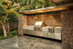 Contemporary-outdoor-kitchen-in-The-Woodlands-Texas.-JM-Outdoor-Living