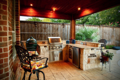 Outdoor-Kitchen-with-toungue-and-groove-patio-cover-in-The-Woodlands-Texas.-JM-Outdoor-Kitchen