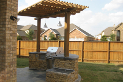 Perrgola-and-Outdoor-Kitchen-In-The-Woodlands