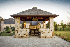 Outdoor-Living-and-Kitchen-in-The-Woodlands-Daytime-JM-Outdoor-Living