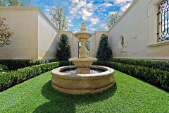 Residential-water-fottain-in-The-Woodlands-Texas.-JM-Outdoor-Living