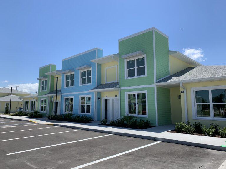 Aurora Palms Exterior Center (Loft) Units