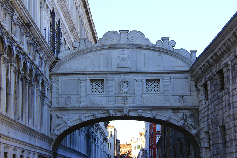 Ponte dei Sospiri (Bridge of Sighs) is usually tougher to photograph with tourists pushing for position
