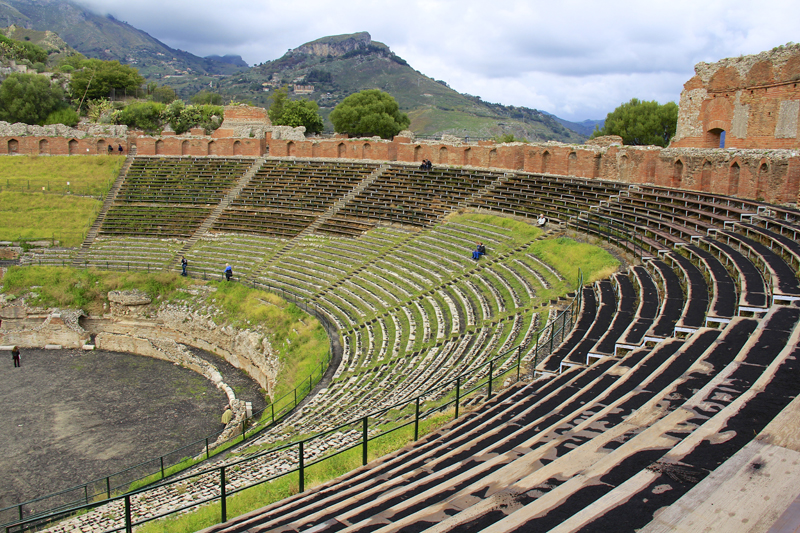 The design of the theatre is that of ancient Greece