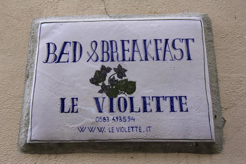 Le Violette Bed & Breakfast
