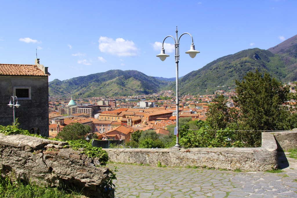 Massa on the road to Malaspina Castle