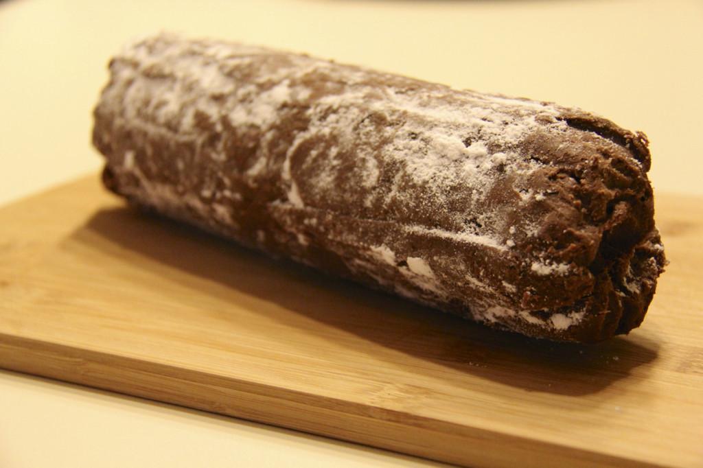 Voilà!  A salame di cioccolato (chocolate salami)