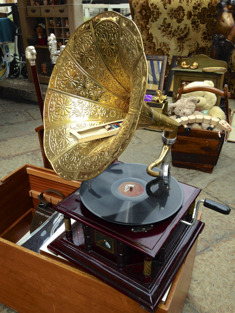 Loved this old record player