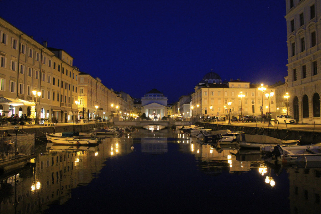 The grand canal at night